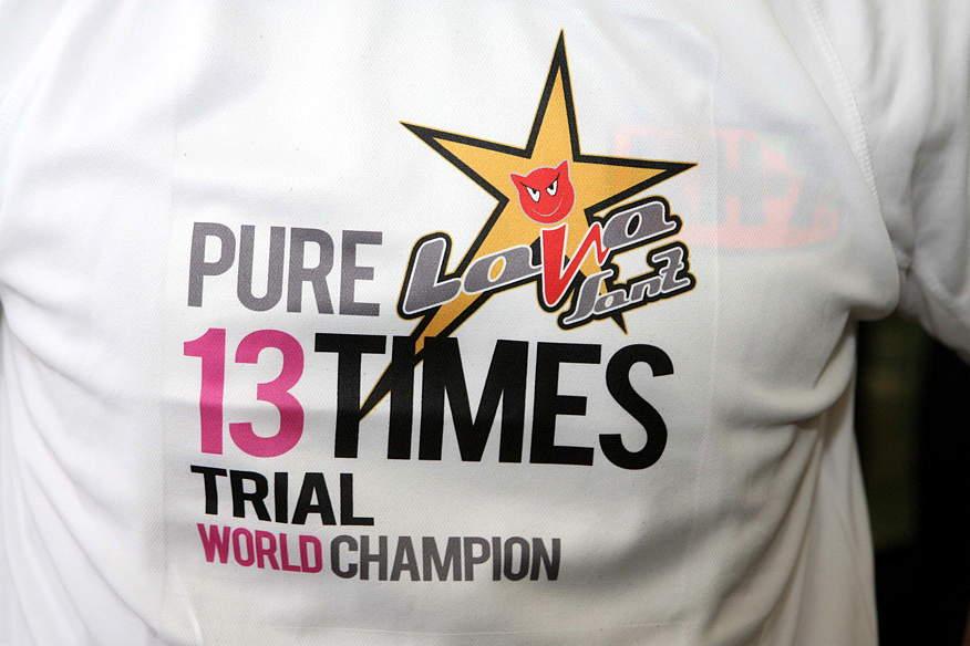 1309女子世界選ライア・サンツ記念シャツ