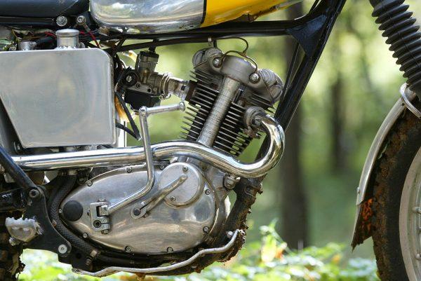 0211タイガーカブのエンジン