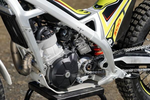 1602TRSエンジン