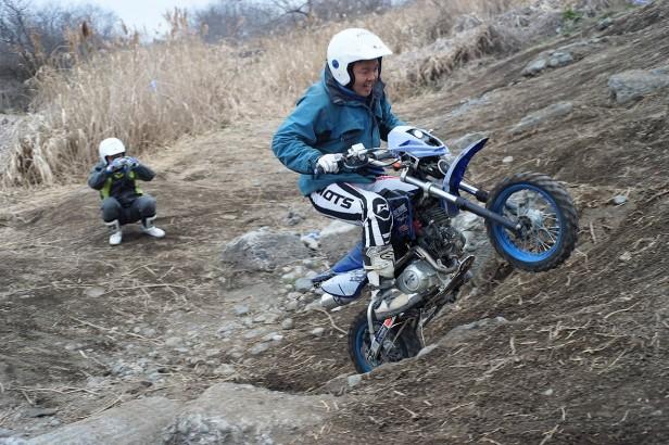 1502相模川の中華バイク