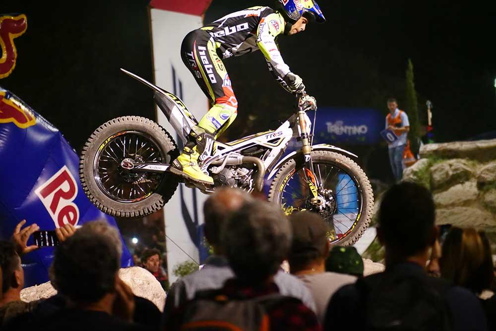 世界選手権最終戦イタリア大会の予選、アダム・ラガ