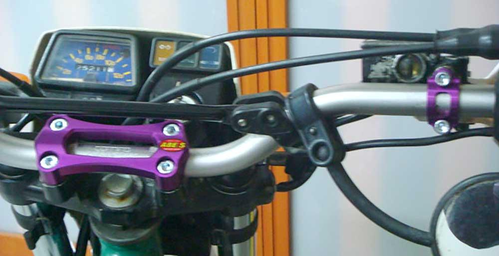 セロー用野崎モデル・アッパーブラケット&ニッシン用ブレーキマスターホルダーセット