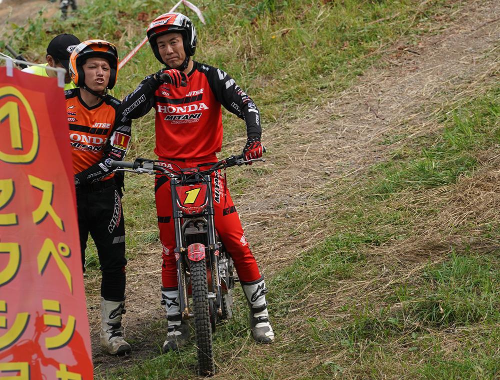 小川友幸と、サポートの田中裕大