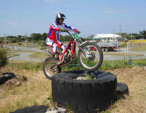 2002沖縄E津嘉山さん