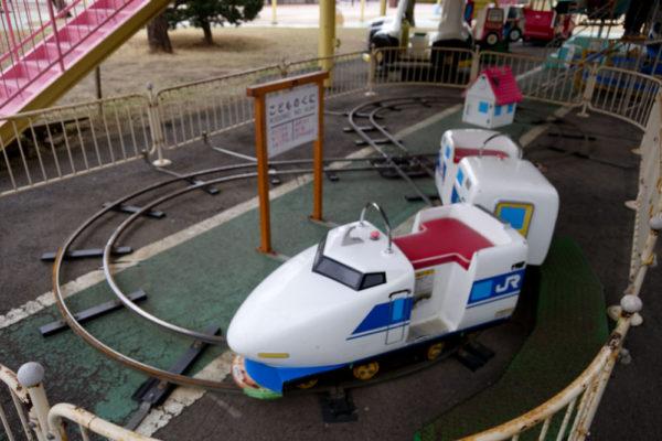 2003児童公園の新幹線